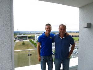 flw24.de Redakteur Tobias Schneider mit Max Stillger
